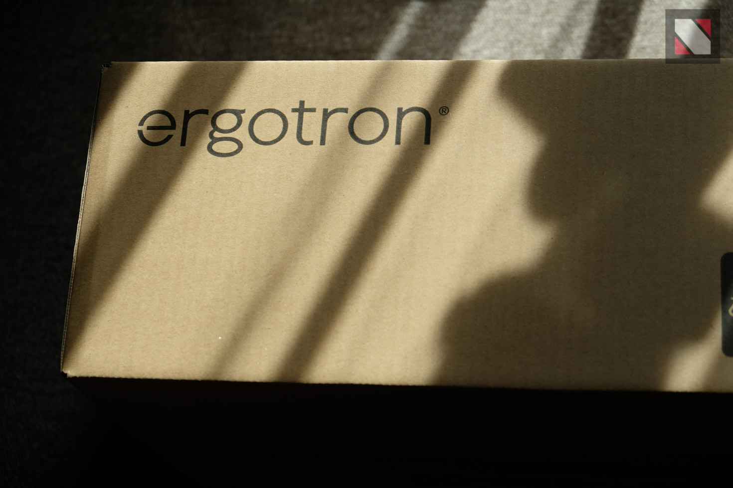 ノマめも。おすすめのモニターアームは「ergotron」【レビュー】